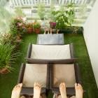 Feet 1 thumbnail